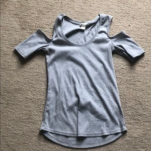 Tops - H&M cold shoulder top